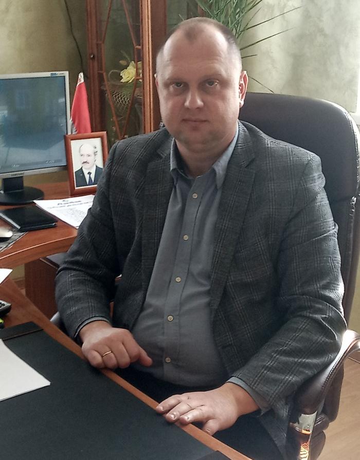 Бурдь Владимир Михайлович, директор OAO «Домановский производственно-торговый комбинат»